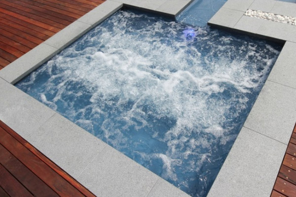 """Cove"" Fibreglass Swimming Pool 