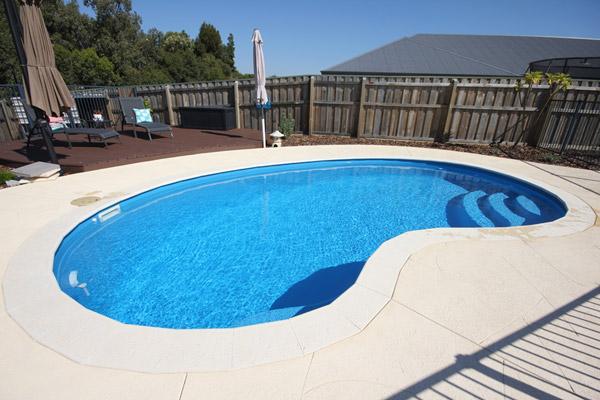 Fibreglass Swimming Pool Design (Kidney Shaped Pool)