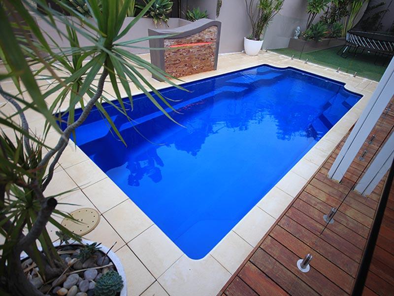 """Riviera"" Fibreglass Swimming Pool | Pool Buyers Guide"